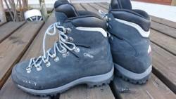 中古 モンベルGore-Tex登山靴 サイズ23.5㎝